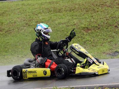 Leonardo Cruz é o campeão da categoria Shifter no Paraná