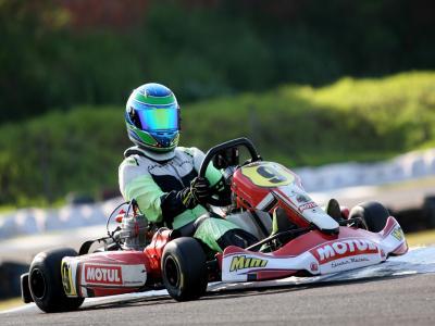 Pedro Ebrahim vai ao pódio no Paranaense de Kart