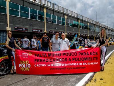 Pilotos da Sprint Race participam de campanha sobre a Pólio