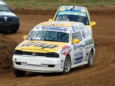 Dois paranaenses em busca do título Catarinense de Automobilismo