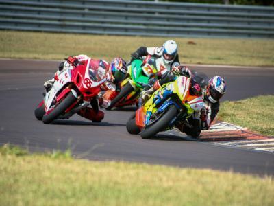 Vitórias de paranaenses e gaúchos no motociclismo em Cascavel