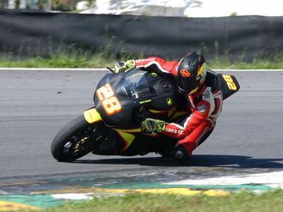 Maycon Zandavalli conquista primeira vitória no motociclismo