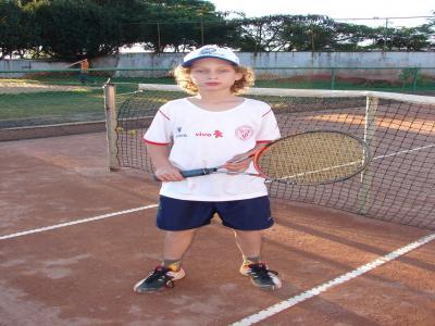 Comercial disputa etapa do Estadual de Tênis em Foz