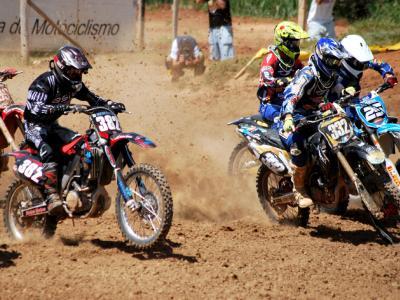 Menegazzo disputa o Brasileiro de Motocross em Foz do Iguaçu
