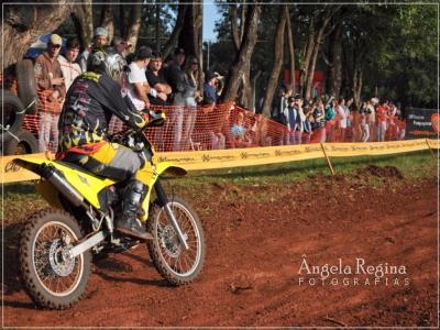 Motocross reúne 102 pilotos em Capanema