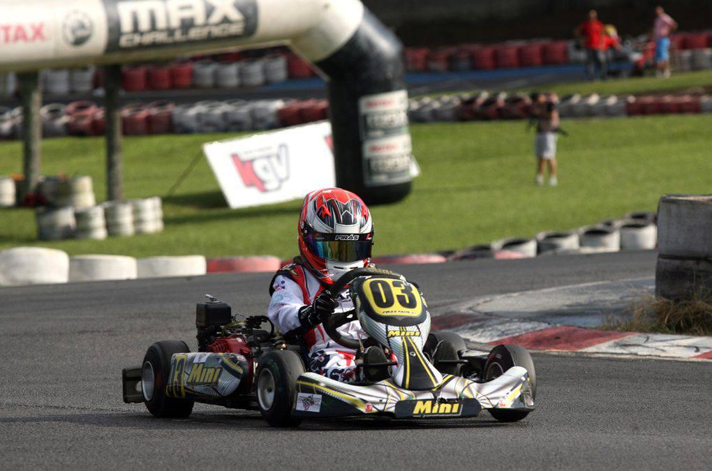 Firás Fahs simula corridas em sua preparação para o Brasileiro de Kart