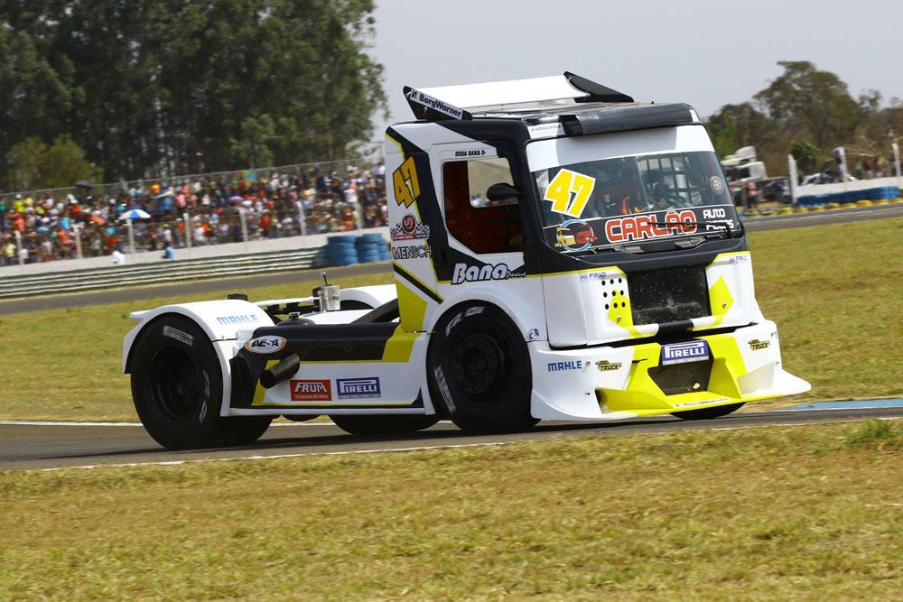 Duda Bana marca pontos na Copa Truck em Campo Grande