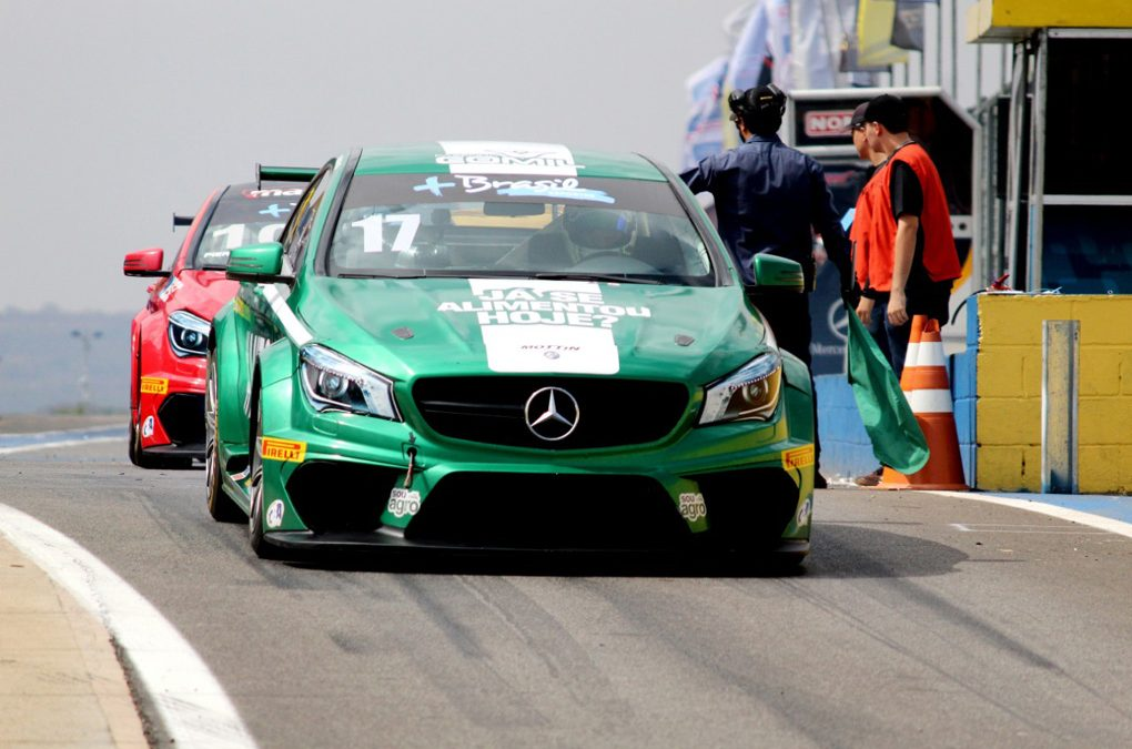 Raijan larga na frente nos concorrentes no Mercedes-Benz Challenge
