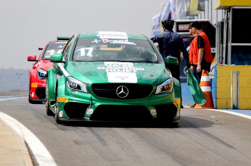 Raijan larga na frente nos concorrentes no Mercedes-Benz Challenge