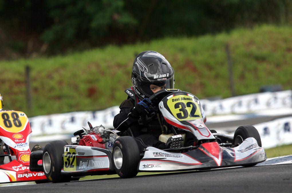 Paranaense Light de Kart chega a sua penúltima etapa amanhã em Londrina