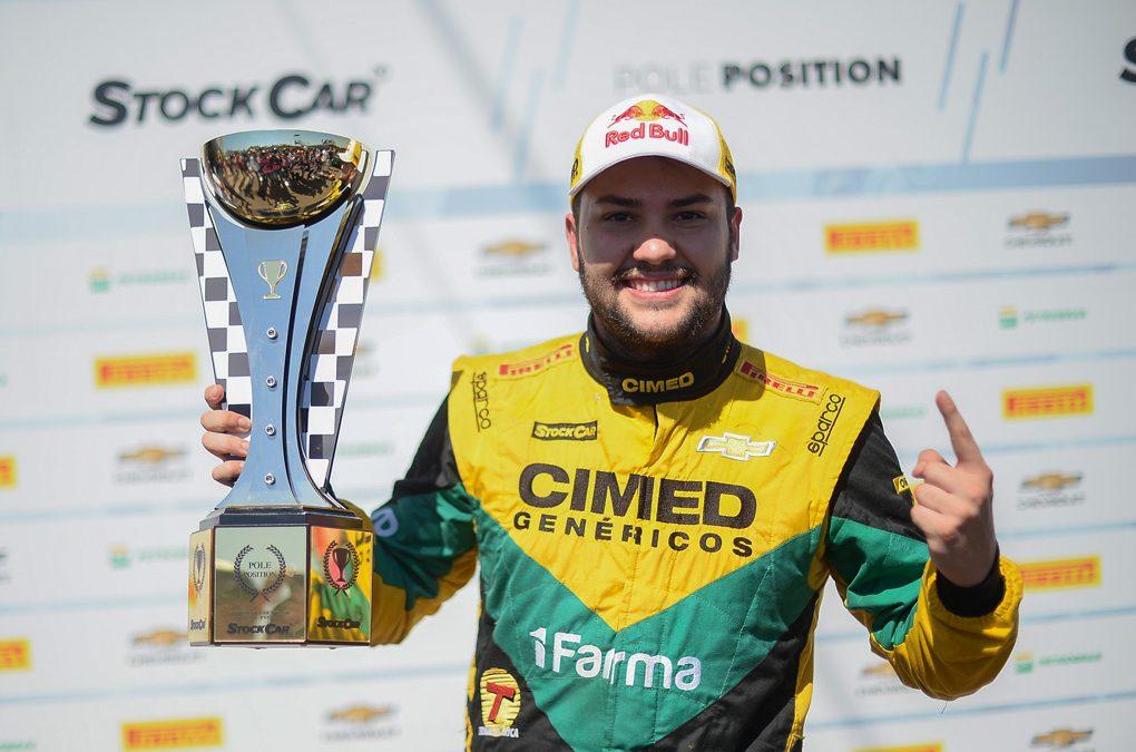 Com pole em Cascavel, Fraga coloca pressão nos concorrentes diretos ao título da Stock Car
