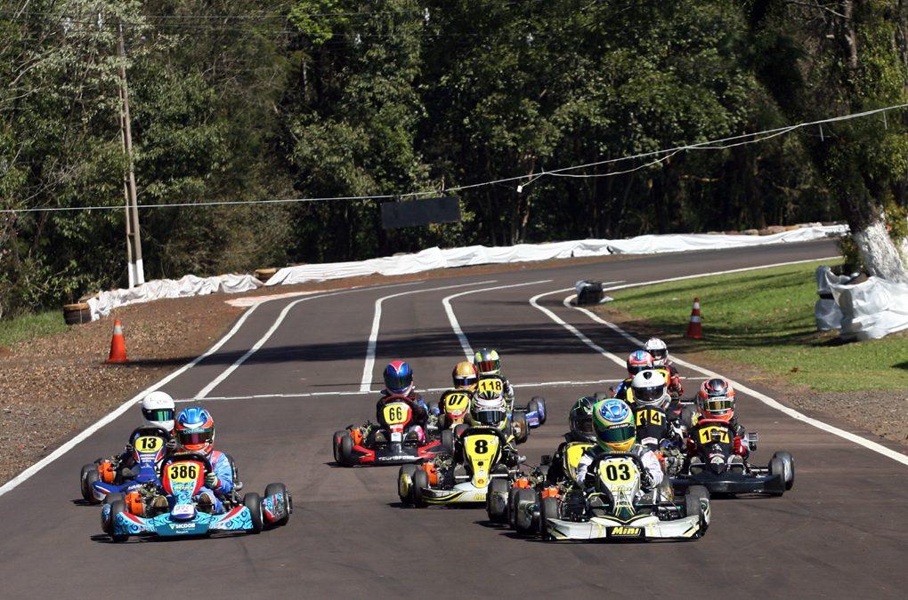 Firás Fahs satisfeito com o 4º lugar no paranaense de Kart