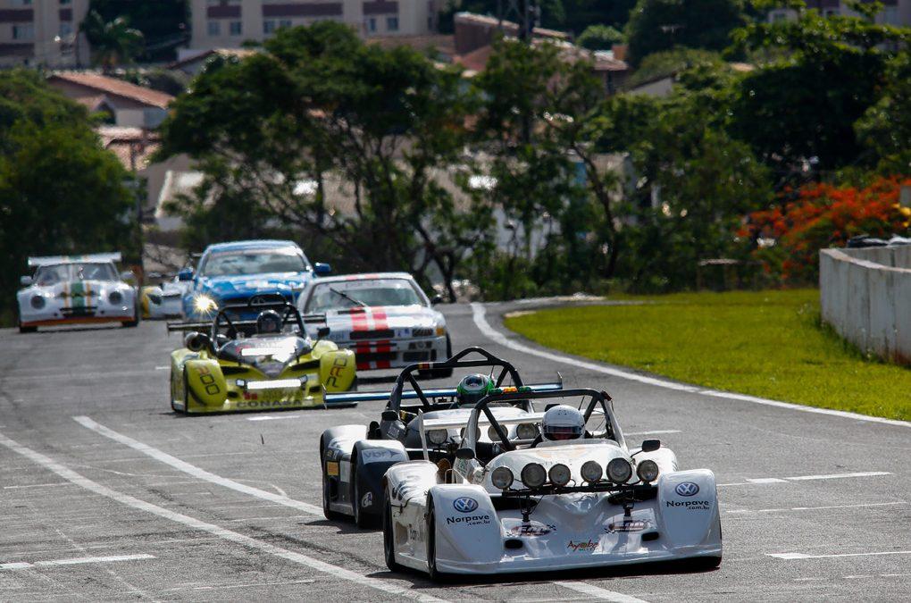 Londrinenses voltam a vencer as 500 Milhas e de sobra se tornam tricampeões