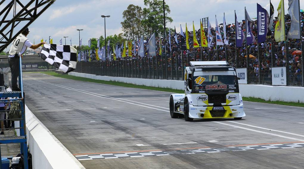 Duda Bana fica em 12ª na Copa Truck em Curitiba