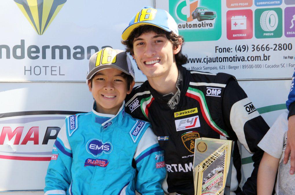 Irmãos Akyu e Gustavo Myasava iniciam série de corridas em casa