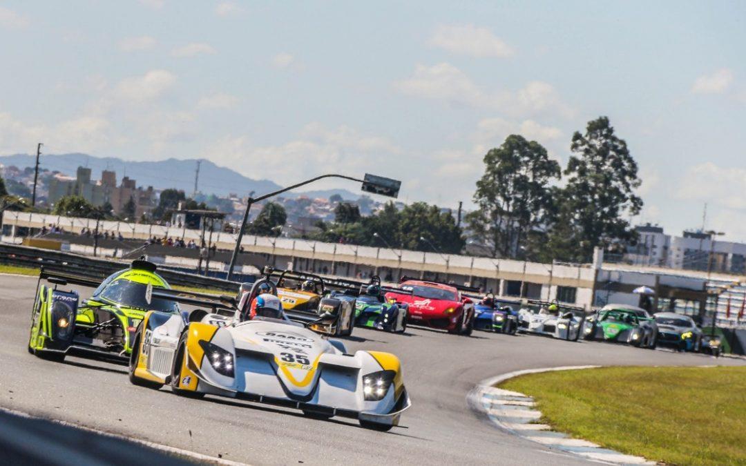 Jair e Duda Bana ficam em 2º lugar na categoria P2 no Endurance Brasil