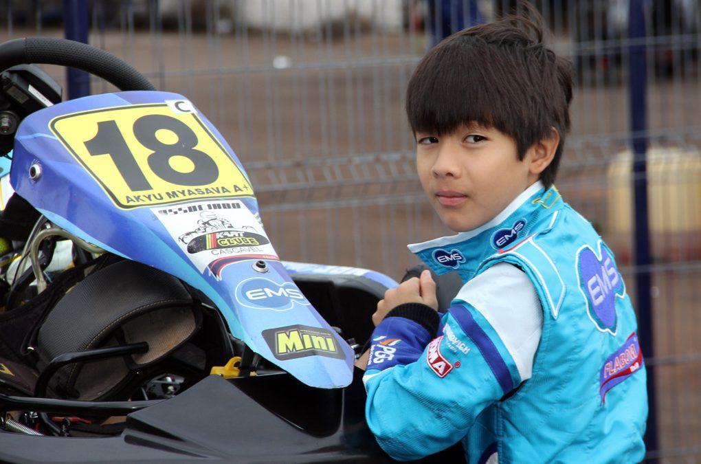 Akyu Myasava pronto para o Open do Brasileiro de Kart