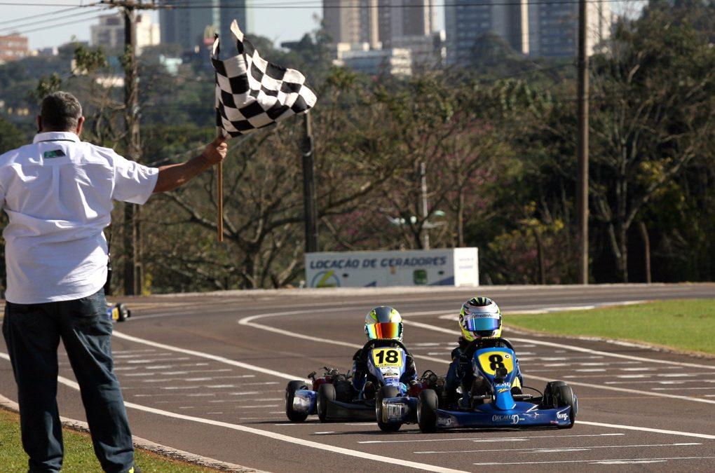 Open do Brasileiro de kart reúne pilotos de 16 estados em Cascavel