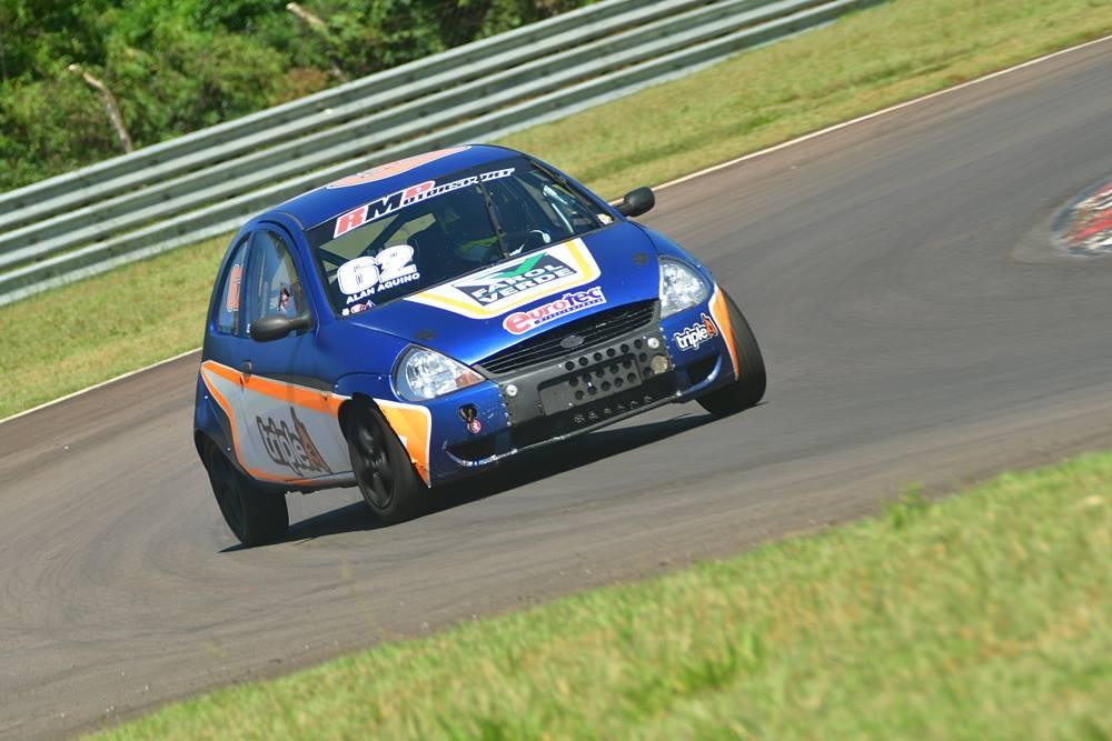 Campeões de automobilismo do Paraná recebem premiação