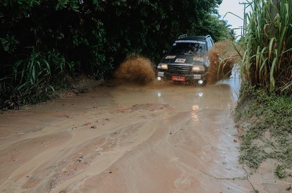 Cearense de Rali começa com muita chuva, lama e emoção