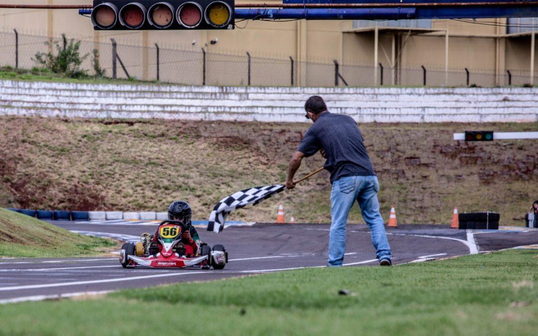 Metropolitano e Kart de Cascavel tem início com circuito invertido
