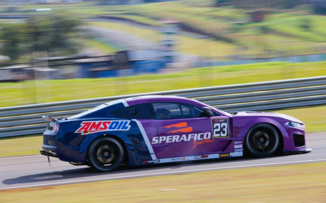 Novos carros da GT Sprint Race vão à pista do Autódromo de Cascavel