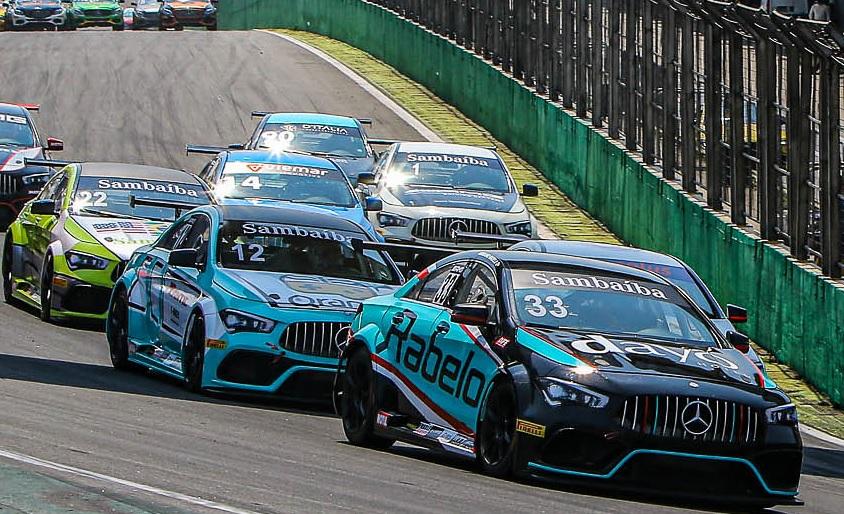 Cearense Adriano Rabelo quer manter liderança na da categoria CLA no Mercedes-Benz Challenge
