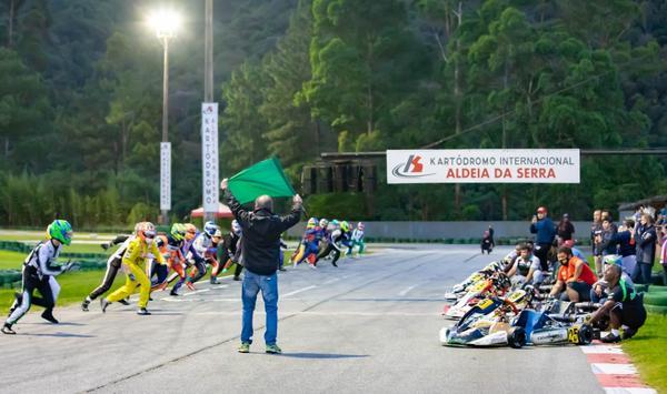Primeira edição das 6 Horas V11 de Kart reuniu 22 equipes