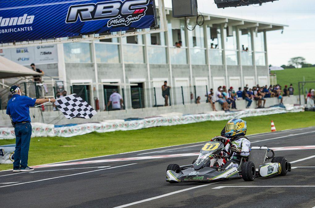 Artur Hoff é Top 5 no Brasileiro de Kart