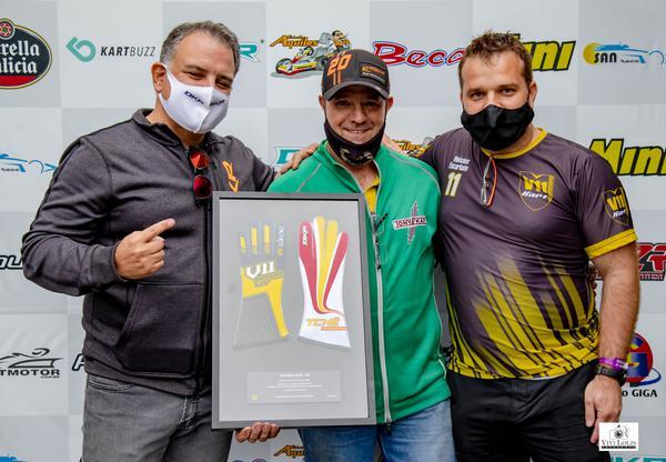 """""""Tchê"""" é homenageado na 4ª etapa da V11 Aldeia Cup de Kart"""