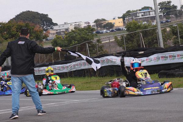 Mega Kart contabiliza vitórias em três campeonatos