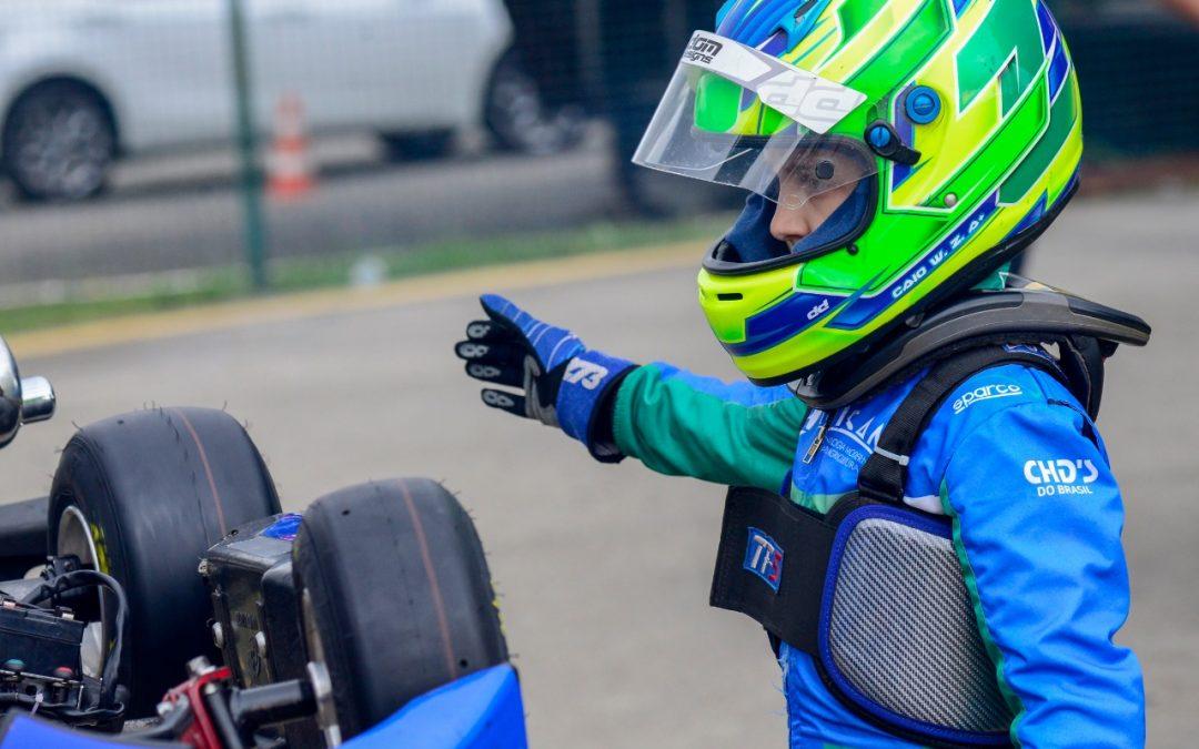 Caio Zorzetto campeão por antecipação no Citadino de Kart de Foz do Iguaçu